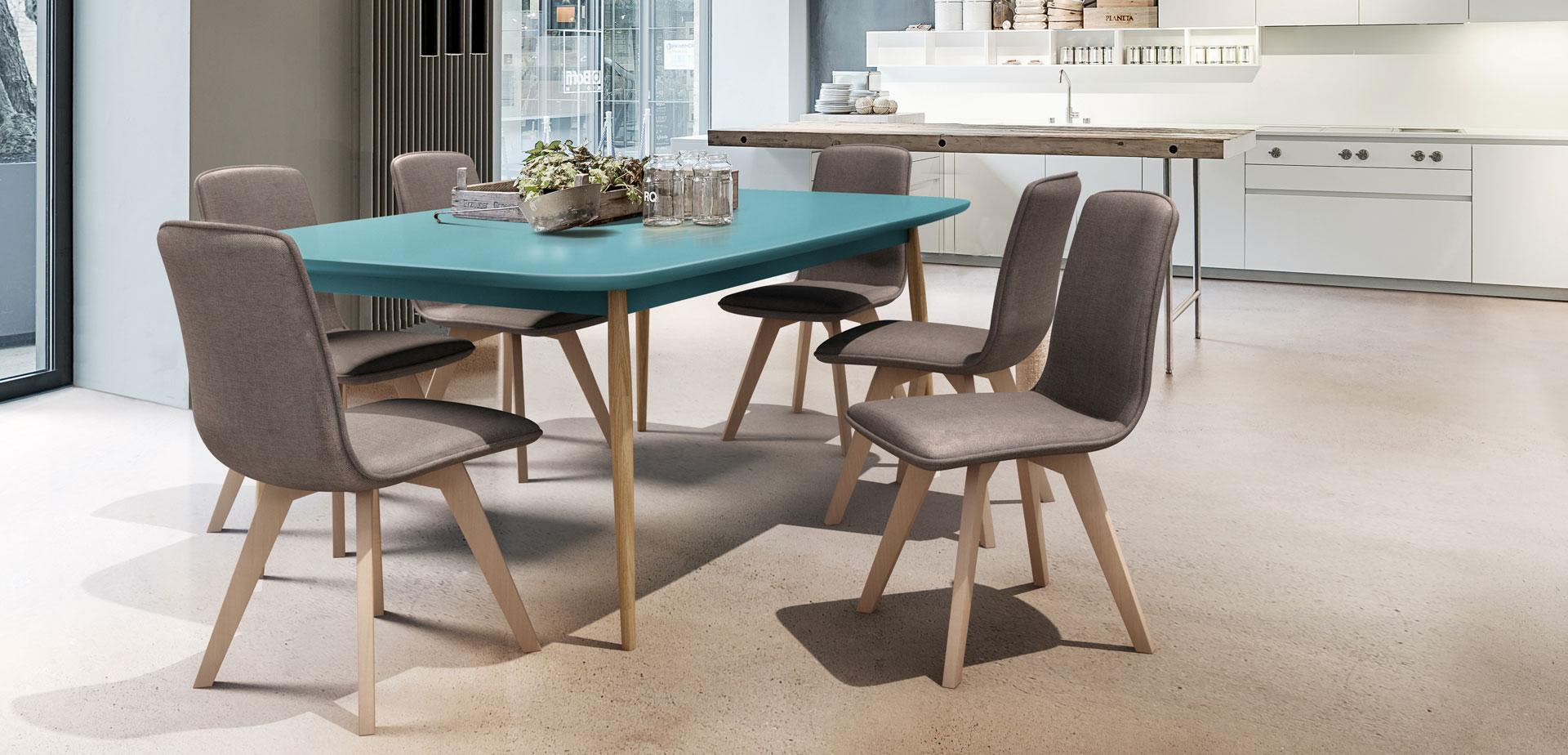 tokyo-sza-c-k-a-c-s-asztal.jpg